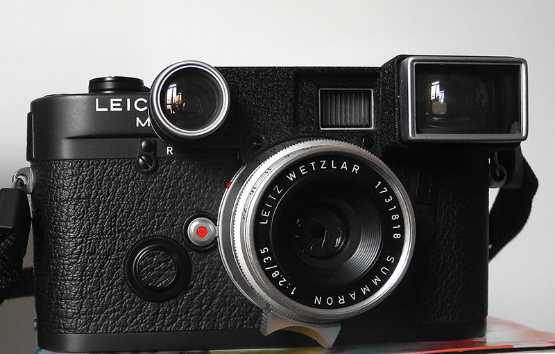Leica 21 and 35 dating 2